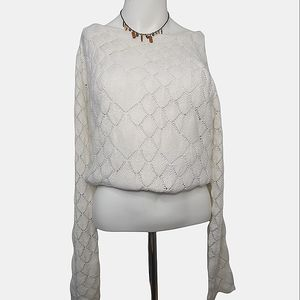 Alfred Sung Women's White Scallop Pattern Swester
